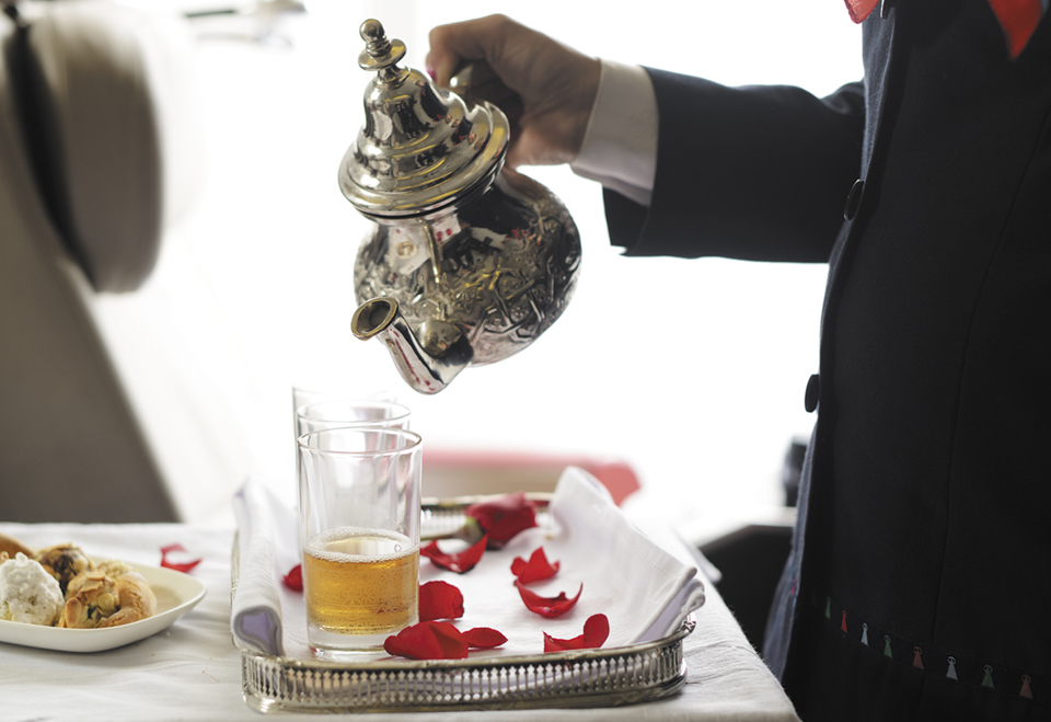 royal air maroc drinks service