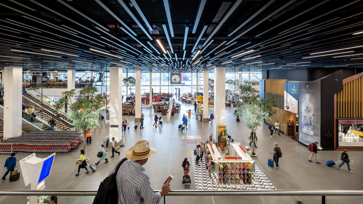 Amsterdam Schiphol Airport 4-Star Rating | Skytrax